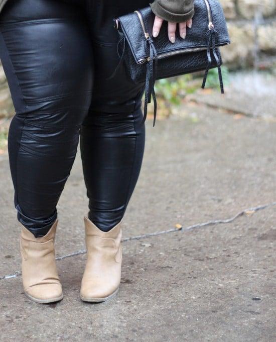 Plus Size Fashions // Fatgirlflow.com