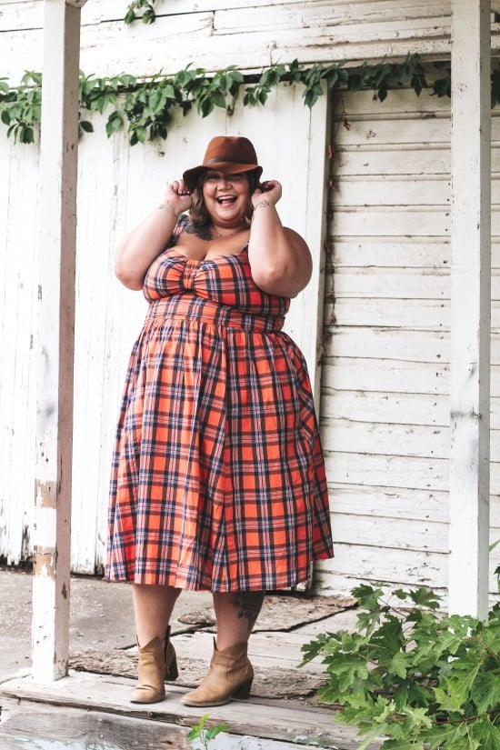 Taking Your Favorite Plus Size Dress From Summer To Autumn // fatgirlflow.com