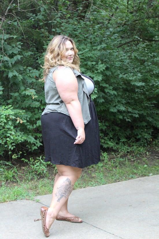 Plus Size Suspender Skirt || Fatgirlflow.com